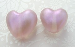 Pale Purple with violet highlight (Glittering Prize - Trudi) Tags: love glass hearts beads purple heart handmade violet valentine romance pale jewellery valentines jewelery trudi lampwork artisan shimmer sra gbuk glitteringprize fhfteam