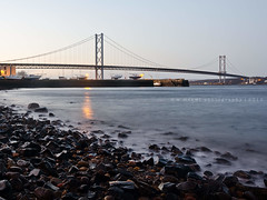 Forth Road Bridge (w.mekwi photography) Tags: bridge sea water boats lights scotland rocks pebbles southqueensferry forthroadbridge nikond7000 wmekwiphotography mekwicom