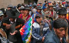 La Paz (Miradas.com.br) Tags: plaza viaje people meninos kids del children pessoas do gente protest bolivia nios protesta viagem praa mulheres crianas mujeres lapaz hombres homens bolvia gobierno bolivie murillo manifestacin povo miradas manifestao protesto south la bolivianos america square paz bolivianas plaza sul sur murillo amrica praa murillo sudamrica