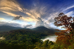 tamblingan lake view (tut bol) Tags: bali singaraja tamblinganlakeview