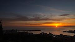 Se levanta por el mar (Carpetovetn) Tags: espaa costa marina sunrise mar agua paisaje amanecer cantabria castrourdiales cantbrico marcantbrico nikon1835 nikond610