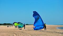 Preparativos (ZAP.M) Tags: espaa mar andaluca nikon flickr playa cielos cdiz kitesurf chiclana nikond60 deportesnaticos zapm mpazdelcerro chanctipetri
