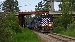 SRY 119 ~ Timberland Lead (Chris City) Tags: railroad bridge train spur cab railway surrey caboose lead sry gp9 shortline