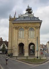 Abingdon, Oxfordhire (Hans van der Boom) Tags: uk england classic unitedkingdom arches highstreet oxfordshire abingdon countyhall vantagepoint
