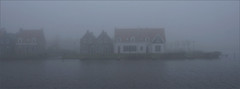 Esonstad in autumn fog (Foto Martien (thanks for over 2.000.000 views)) Tags: autumn mist holland fall netherlands dutch fog nevel nebel herfst nederland groningen nebbia niebla brouillard friesland holidaypark niederlande bungalowpark landal anjum naturallandscape najaar natuurgebied vakantiepark oostmahorn esonstad a550 nationaalparklauwersmeer martienuiterweerd carlzeisssony1680 bestcapturesaoi martienarnhem sonyalpha550 mygearandme mygearandmepremium martienholland mygearandmebronze mygearandmesilver mygearandmegold ringexcellence fotomartien lauwersmeernationalpark