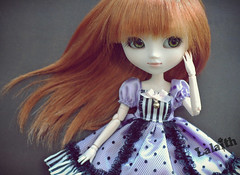 Ginny (_Lalaith_) Tags: pink white black green cat outfit eyes rust doll acrylic dress antique stripes sienna can polka dot sanrio redhead melody lolita lilac bow carrot cancan ribbon pullip blythe cabaret ginny lalaith sleighbell rewigged
