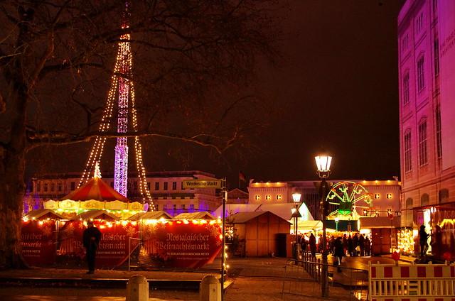 Berlin, Weihnachtsmarkt am Opernpalais 2