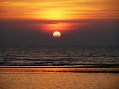 ~~~SUNSET AT COX'S BAZAR~~~ (>>>ASIF<<< trying to get back like before>>>) Tags: sunset sunlight beach coxsbazar awesomecolor