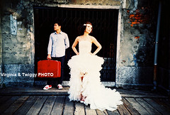 Film x Lomo Pre-Wedding Photo- Howard & Michelle*1 (Twiggy Tu) Tags: portrait film lomo lca taiwan taipei 2011 preweddingphotography 婚紗攝影 virginiatwiggyphoto