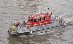 London Fire Brigade - 4769 (Chris' 999 Pics) Tags: old uk blue light england rescue woman man london film station thames speed river pull fire lights boat bill pc bars pix order fuji cops near united nick fine blues samsung kingdom next cop finepix copper and fujifilm service to law hd about enforcement breakers emergency seen 112 siren coppers lambeth arrest policeman brigade 999 constable 991 on the twos strobes policing lightbars lfb 4769 rotators into vluu pl81 pl90 sl630 leds s2750
