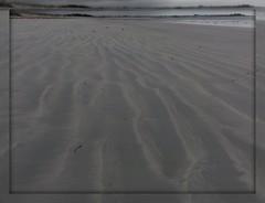 avancer sur la plage du ster les yeux ferms (laetitiablabla) Tags: world france beach nature fantastic eyes sand brittany sony sable wave bretagne cybershot breizh passion coastline through vague plage sud ster merveilles finistere littoral guilvinec toutes