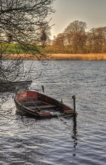 The Old Rowing  Boat (Keo6) Tags: lake water boat rowing blinkagain