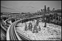 Quiet City (* Ian Rogers *) Tags: seattle bridge blackandwhite sun snow monochrome skyline sunrise northwest ave rizal rise avenue 12thavenue 12th greyscale seattleskyline drjoserizal 12thave joserizalbridge cityofseattle rizalbridge