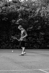 Oscar 2015-07-03 (Michael Erhardsson) Tags: oscar tennis juli sommar serve 2015 svartvitt trning widegren hovsta tennisboll asfaltbana