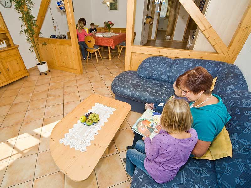 Kastanienhof Selz - Wohnzimmer FeWo Igelsbachsee