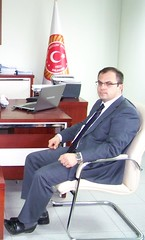 Turkish Guy (Sham-poo5) Tags: businessman candid business businessmen turkishguys erkek realguy yakışıklı turkishman turkishguy turkishahndsome