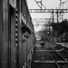 head and lines (Hendy Widianto) Tags: jakarta krl ekonomi