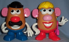 2011 New Mr. & Mrs. Potato Head, NOW WITH LEGS (Darth Ray) Tags: new with mr legs head potato now mrs 2011