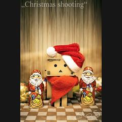 Christmas shooting (Oliver Totzke) Tags: 2 canon toy mark days ii 5d 365 usm ef 70210 danbo 70210mm f3545 revoltech danboard 5dmk2 5dmark2
