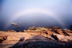 รูปภาพ สายรุ้งสีขาว มหัศจรรย์ของธรรมชาติ ที่ไม่มีให้เห็นง่ายๆ