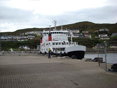 d 251 Scotland - Mallaig Ferry Terminal - Ferry to Isle of Sky - 20 minute crossing (eewolff) Tags: scotland globus mallaig skyeferry august112011