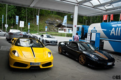 Fueling up. (Germanspotter) Tags: auto italien italy beauty car station canon germany deutschland photography eos spider italian power 911 ferrari turbo porsche passion petrol dslr audi gs scuderia supercar fuel sportscar 430 r8 tankstelle 997 sportwagen 2011 16m 450d carparazzi autogespot germanspotter
