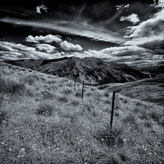 Day 259 // Don't Fence Me In (Marshall Ward) Tags: southisland queenstown bigsky bighill crazyroad nikond7000 marshallward afsdxnikkor1024mmf3545gednewzealand