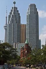 Flat Iron Building I (BenjaminBe) Tags: toronto canada building tower cn nikon iron cntower flat 1855 vr afs kanada 3556 d80