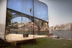 DSC_0098 (Miguel Tavares Cardoso) Tags: portugal porto gaia ribeira vilanovadegaia 2011 flickraward ilustrarportugal nikonflickraward migueltavarescardoso