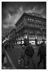 SHOPPING  PER LE STRADE ILLUMINATE....... (Folgazza) Tags: show nyc travel sunset italy nature phoenix beauty photoshop photography photo nikon europa europe italia colours tour shot photos live super 180 coolpix 5d toscana rosso colori d300 cs3 cs4 massamarittima 2470 follonica tuscani viaggiare p6000 2485 passionphotography d700 d7000