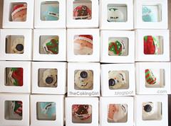 Christmas Cupcakes in gift boxes (TheCakingGirl.ca) Tags: food yum foodart foody cakelove creativeminds foodphotography instafood yummycakes cakeideas cakegallery cakeart looksreal creativecakes cakedetails cutecakes cakeinspirations gumpastefigurines fondantfigurines coolcakes cakephotography creativefondant makingfondant closeupcakes thecakinggirl instacakes caketrends customfondantcakes cutefondantcakes coolfondantcakes cutecakeideas creativecoolcakes cutecakedesigns fondantthemecakes gumpastesushicaketutorial howtomakefigurines howtomakefondantcakes trendycakes cutebirthdaycakes cutebirthdayparty