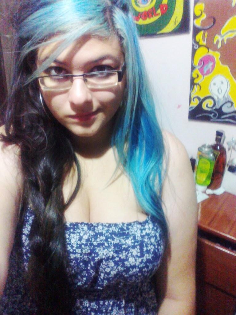 pelo largo chicas tetas pequeñas