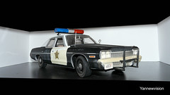 "Dodge Monaco 74 Police ""Blues Brothers"" (with Light Bar) - ERTL ('Yannewvision') Tags: old france french 1974 miniature frankreich plymouth police monaco dodge francia 74 spielzeug fury jouet bluesbrothers  maquette miniatur anciennes bluesmobile alten   policepatrol vielles dukeofhazzard copscar sheriffaismoipeur yannewvision"