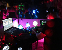 IMG_3296 (Dan Correia) Tags: macintosh lights traktor dj laptop mixer nightclub turntables speakers drumnbass seratoscratch cdjs macbookpro traktorscratch thestatesmen beatdownproductions