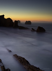 Penumbras II (Ahio) Tags: longexposure seascape twilight dusk shoreline moonlight marcantbrico cantabricsea arna smcpentaxfa31mmf18allimited pentaxk5