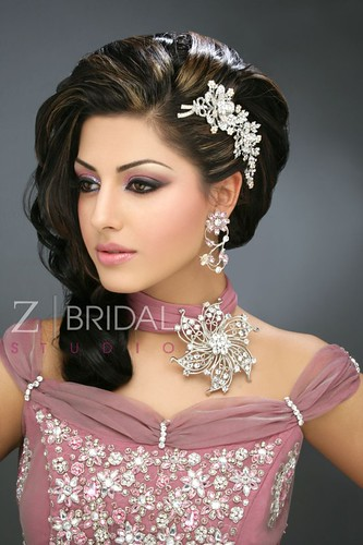 "Z Bridal Makeup 49 • <a style=""font-size:0.8em;"" href=""http://www.flickr.com/photos/94861042@N06/13904622704/"" target=""_blank"">View on Flickr</a>"