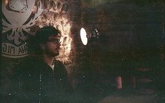 (Ral Villaln) Tags: camera light portrait man classic film lamp wall vintage lowlight olympus fujisuperia trip35 filmisnotdead raulvillalon beliveinfilm shottingfilm