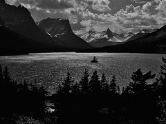 (roadcat2016) Tags: lake water alpine glaciernationalpark mountainlake stmaryslake glaciallake
