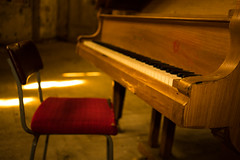 Play (--Conrad-N--) Tags: abandoned piano houston haus whitney klavier beelitzheilsttten beelitz heilsttten whitneyhoustonhaus