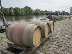 DSC04633 (regis.verger) Tags: armada loire vins batellerie ribambelle toue confrérie chalonnes montjeannaise
