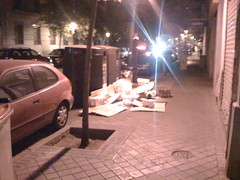 2009-09-04 23-59-46 (CarvajalesSt) Tags: basura carvajales arganzuela ayuntamientodemadrid carvajales19 carvajales19madrid contenedoresbasura