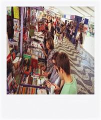 Feira do Livro 2011 (Marcos Nagelstein) Tags: brasil centro portoalegre pblico movimento livro criana livros rs cultura literatura compras leitura populao praadaalfandega feiradolivro2011