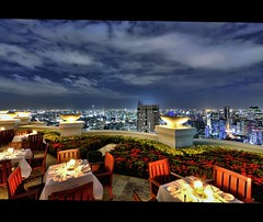 Sky High Dining @ Sirocco | Bangkok (I Prahin | www.southeastasia-images.com) Tags: city sunset sky bar night clouds canon river movie thailand lights restaurant golden high raw cityscape bangkok drinks tables cocktails sirrocco silom cityofangels skybar statetower thedome bangrak lebua thehangover highestbar worldsbestbar lebuahotel totallythailand thehangoverpartii