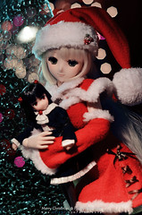 Wish You a White Christmas (AIKO[ARAEL]-) Tags: santa christmas red white snow doll album dream newyear sd yuki bjd dd dollfie merrychristmas whitealbum morikawa arael christmasgirl dollfiedream  ddyuki yukimorikawa  dd