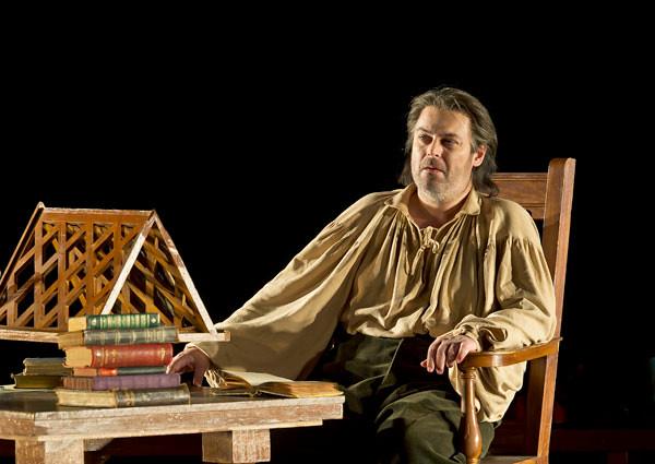 Wolfgang Koch as Hans Sachs in Die Meistersinger von Nürnberg © Clive Barda/ROH 2011