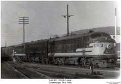 L&N 611, 1918 & 1 more (Robert W. Thomson) Tags: railroad chattanooga train diesel tennessee railway trains locomotive trainengine coveredwagon fp7 ln f7 emd bunit funit f7b aunit louisvilleandnashville fouraxle boosterunit fp7a cabunit cablessbooster