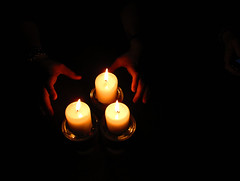 Christmas candles (carla falconetti) Tags: light candles hand mani