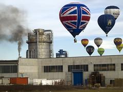 Mondovi2012_mongolfiere_1076724_1 (stegdino) Tags: sky factory balloon cielo thumbsup mongolfiera fabbrica mondovi gamewinner friendlychallenges thechallengefactory pregamewinner
