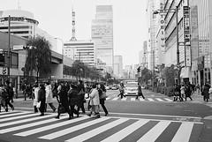 Ginza_Rollei35T_20120112_24 (Jun Takeuchi) Tags: street bw film monochrome japan rollei zeiss tokyo ginza blackwhite iso400 streetphotography xp2    filmcamera ilford rollei35 carlzeiss c41 tessar   sukiyabashi ilfordxp2super400 rollei35t  tessar40mmf35 madebyrollei