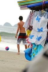 Futebol na praia (Vinicamilo) Tags: summer praia beach brasil lens areia soccer sigma playa apo mm 300 paulo sao 70 litoral seller futebol sul guaruj dg guaruja verao 70300